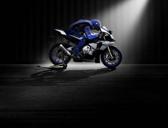 Motobot, Yamaha. Close-up Engineering