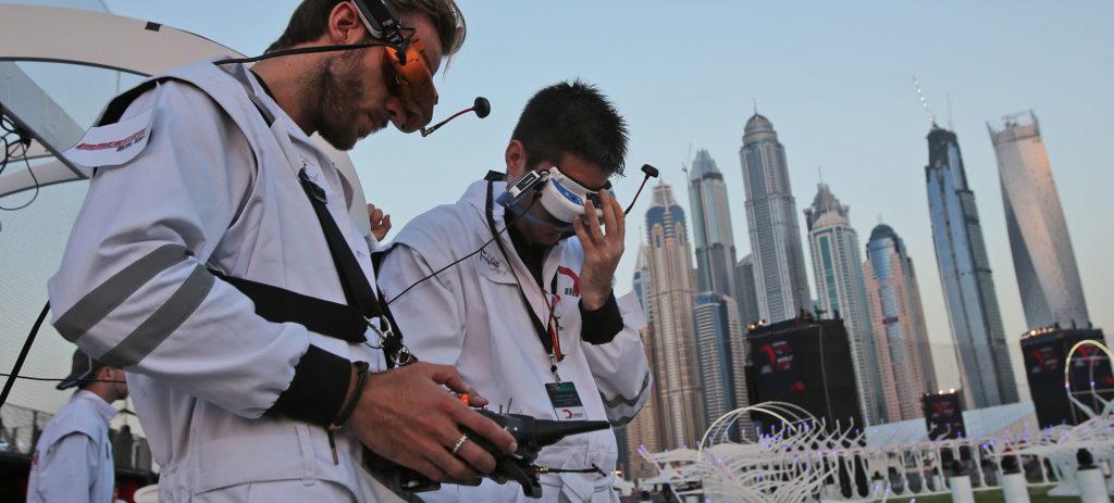 Visori e controllor per il Gran Premio dei droni. Close-up Engineering
