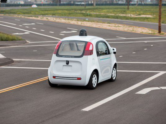 Google car, vettura a guida automona. Close-up Engineering