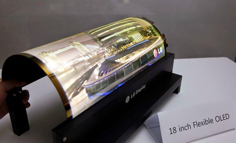 Le voci e le iniziative degli ultimi giorni sembrano alimentare questa idea, con il colosso di Cupertino pronto a sfidare il tanto discusso Galaxy X