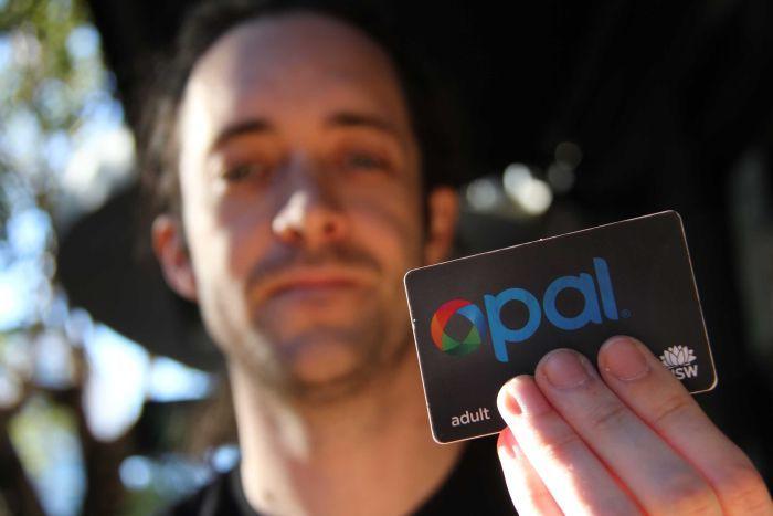 Dai primi chip sottocutanei, nel 1998, alle 50 mila persone che oggi possiedono un chip. Un innovazione tecnologica o un rischio per la privacy?
